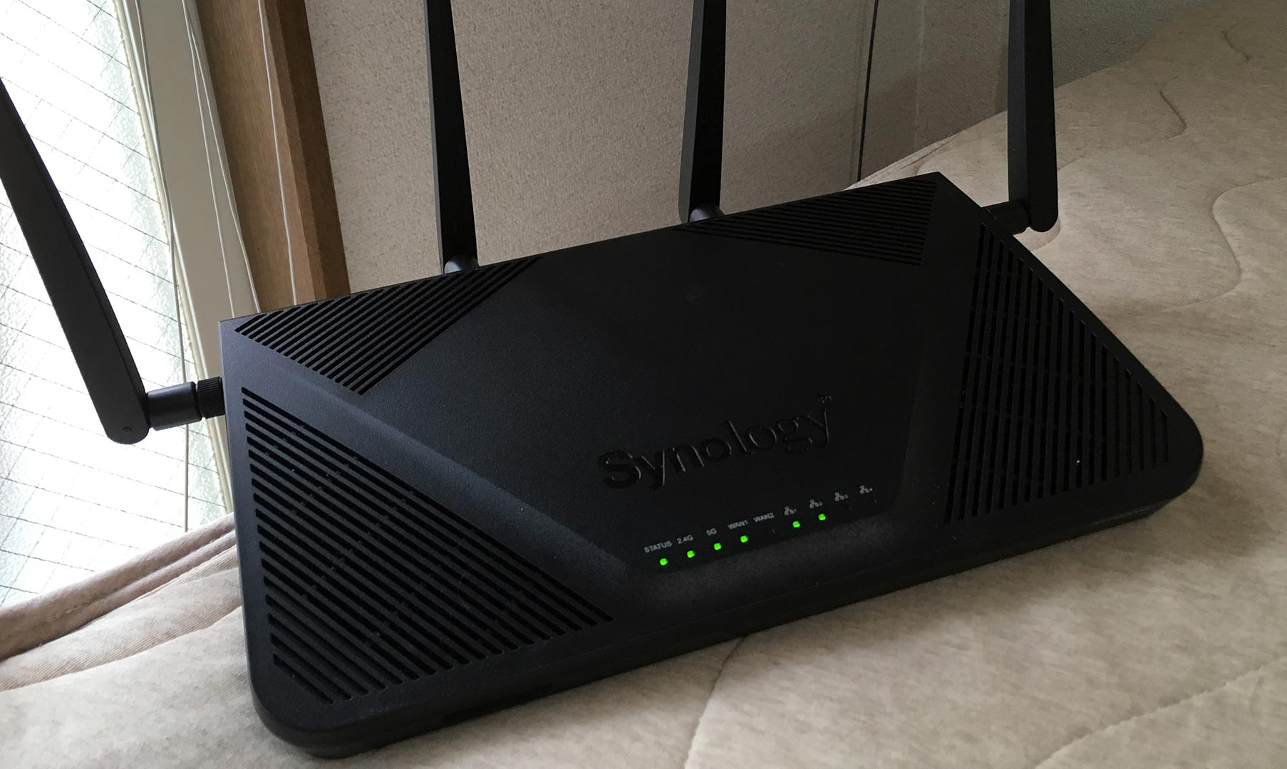 synology RT2600ac本体
