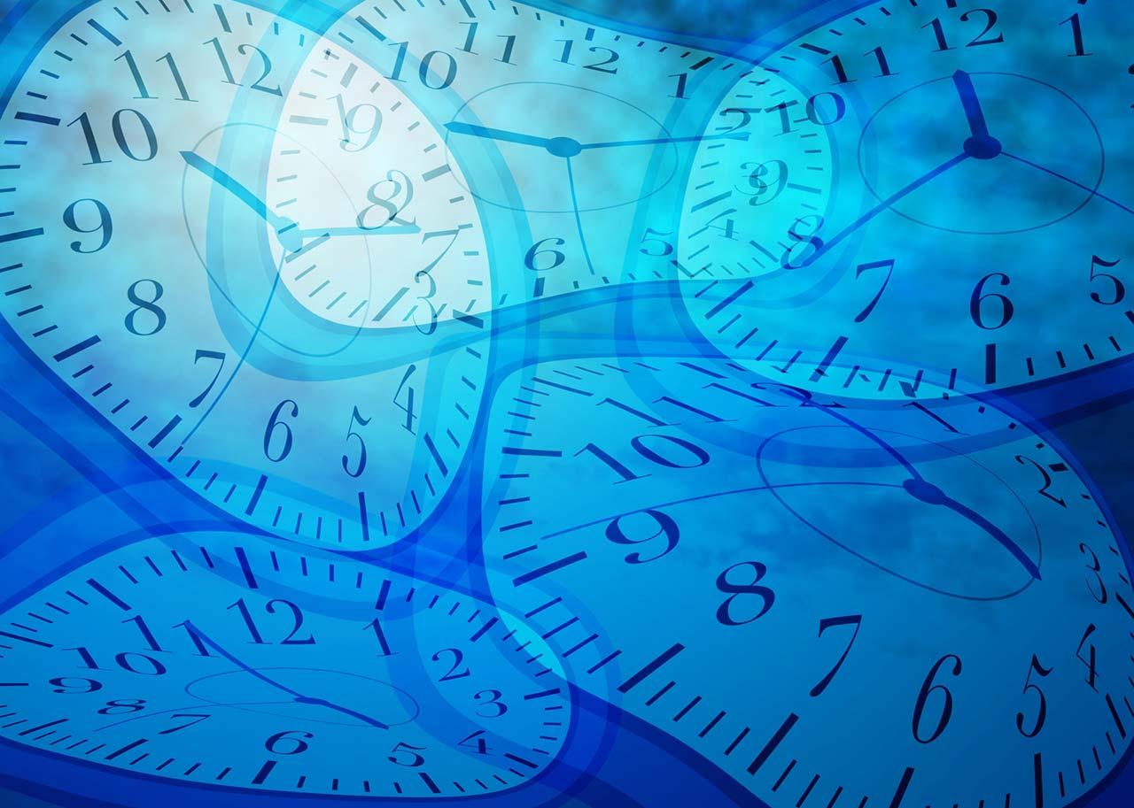 たくさんの時計文字盤